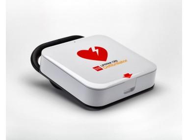 Hjertestarter for voksne og barn. Med norsk og engelsk tale. Tar selvkontroll  en gang pr. mnd og rapporterer inn resultat.
